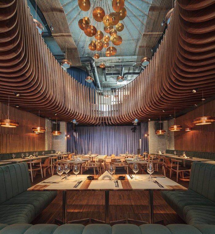 Дизайн сцены в ресторане